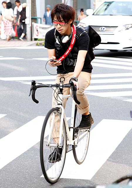 自転車の 自転車 服装 女性 夏 : 定点観測・第366回 自転車乗り ...