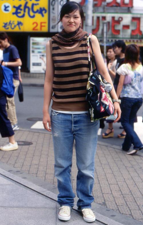 01023 22歳 女性 大学4年生(服飾)  01023 22歳 女性 / 大学4年生(服飾)