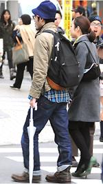 30代のカップルが渋谷だけでなく新宿にも増えている。彼らのベースはアメカジ。彼女らは『InRed』=コマザワンヌ。