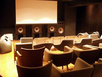 d6eo3n000000v9y5 9 Bioskop yang paling Unik di Dunia